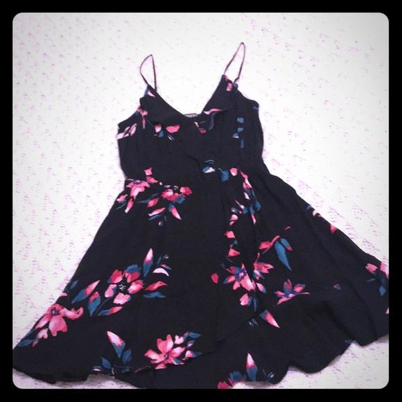 Express Dresses & Skirts - Women's floral dress